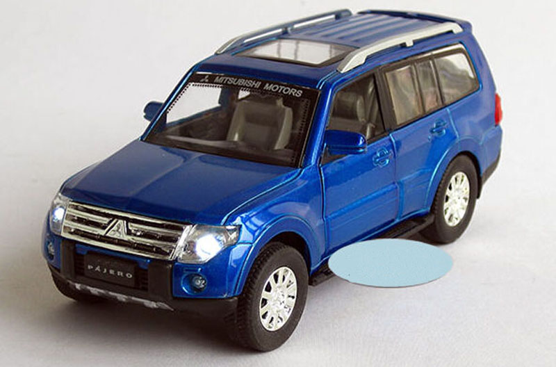 1 32 mitsubishi pajero suv diecast car model collection with light and sound blue. Black Bedroom Furniture Sets. Home Design Ideas